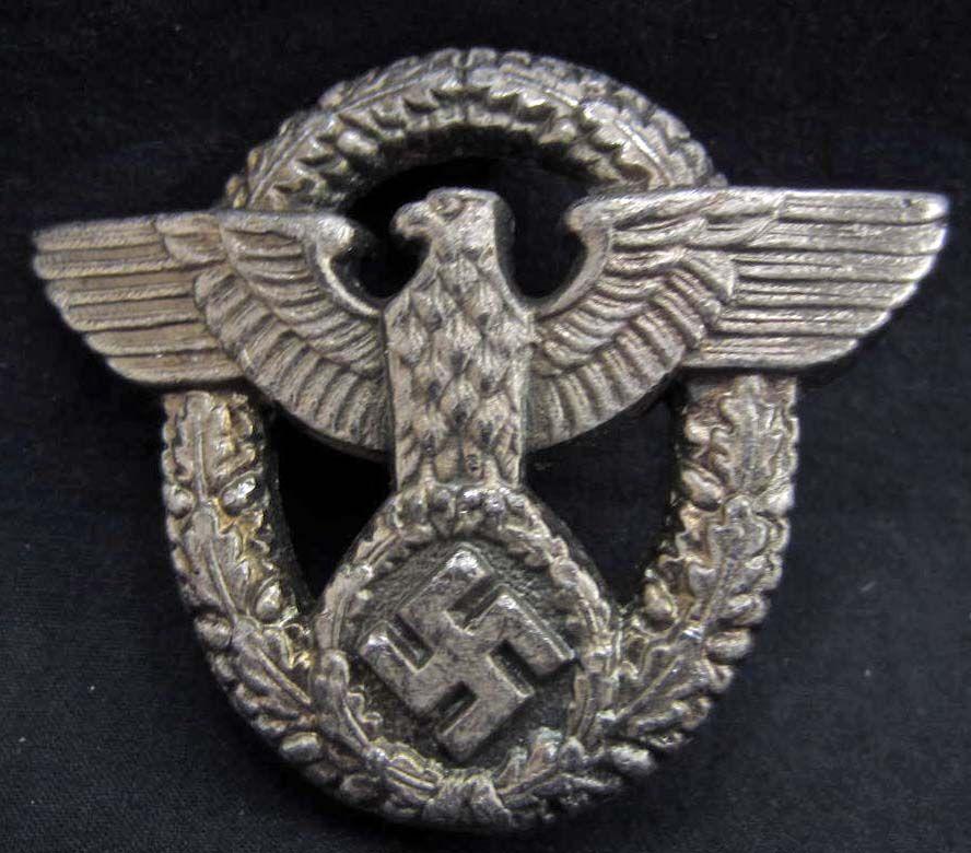 GERMAN NAZI POLICE EAGLE BADGE