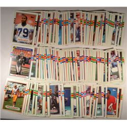 521  -  1989 Topps Football Cards.  Some duplicates and many Hall of Famers!