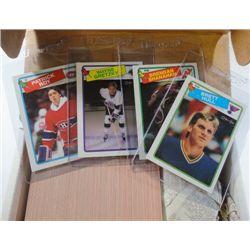 1988-89 Opee Chee Hockey Complete Set.