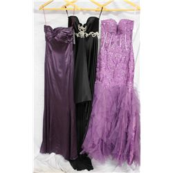 Lot [3] DRESSES:  [1] Stephen Yearick purple gown, size 6, [1] YOL ?? Black gown, size 6 and [1] Jov