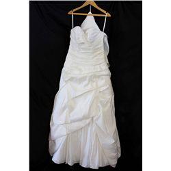 Lot [1] DRESS: [1] Sweetheart bubble dress, size 14