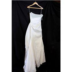 Lot [1] DRESS: [1] Ivory corset tie side silk gown, size S