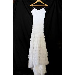 Lot [1] DRESS: [1] Yolanda white can-can gather gown, size s