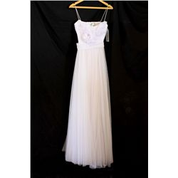 Lot [1] DRESS: [1] White tulle dress, size small