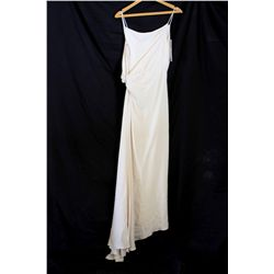 Lot [1] DRESS: [1] Ivory Crepe bridal gown, size 6