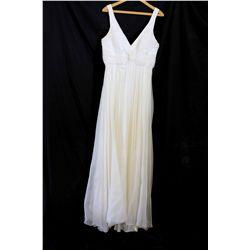 Lot [1] DRESS: [1] Ivory twist chiffon long gown, size XL