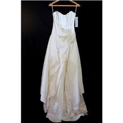 Lot [1] DRESS: [1] Gold applique dress, size S