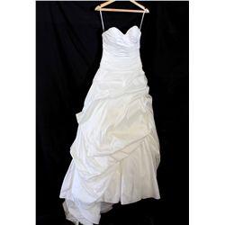 Lot [1] DRESS: [1] Sweetheart bubble dress, size 8