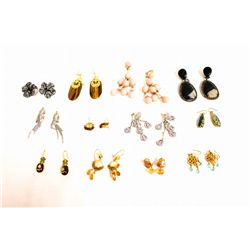 LOT 12 PAIR EARRINGS
