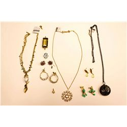 LOT MISC EARRINGS; CHAINS AND PENDANTS