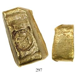 "Small, coin-like cut gold piece (""oro corriente"") of a Colombian ""finger"" bar marked with Charles I"