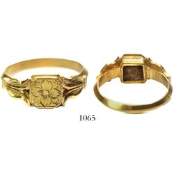 Gold reliquary ring with tulip-flower design.