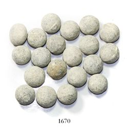 Large lot of 20 large-size lead musketballs.