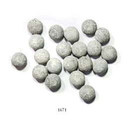 Large lot of 20 small-size lead musketballs.