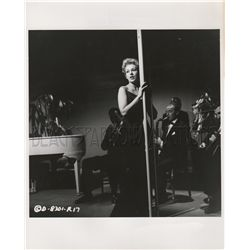 Kim Novak collection of (2) original stills from 5 Against the House