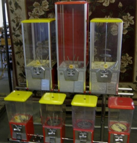 7 Each Coin Turn Vending Machine, With Cart,
