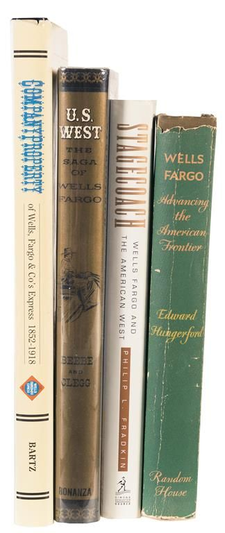 Franklin Mint 1/16 Scale Die Cast Wells Fargo & Company Overland Stagecoach  Model with Four Books on