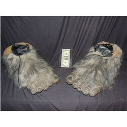 BIG GOOT YETI ABOMINABLE SNOWMAN SASQUACH CREATURE COSTUME FEET