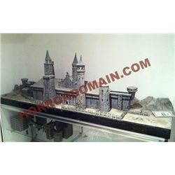 ELVIRA'S HAUNTED HILLS COMPLETE SCREEN USED MINIATURE CASTLE