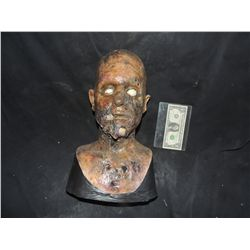 DANCE OF THE DEAD ZOMBIE BUST HEAD