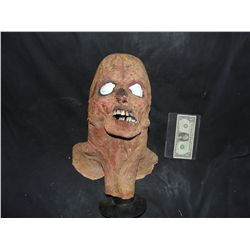 DANCE OF THE DEAD SCREAN USED ROTTEN ZOMBIE FULL HEAD MASK 2