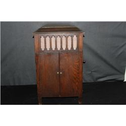VERY HARD TO FIND SALESMAN SAMPLE FLOOR MODEL VICTROLA