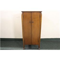 SOLID OAK VICTROLA STAND AND MUSIC CABINET 36 X 16.5 X