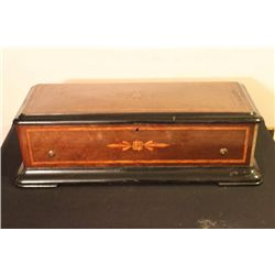 BEAUTIFUL MUSIC BOX CASE NEEDS CYLINDERS - COMB MISSING