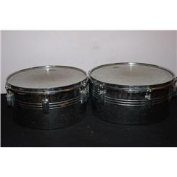2 DRUMS ONE MONEY GOOD CONDITION - 14.5 X 7 - 13.5 X 7