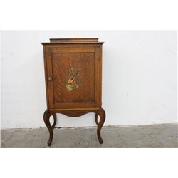 UNIQUELY SMALL QUARTER SAWN OAK MUSIC CABINET - MINT