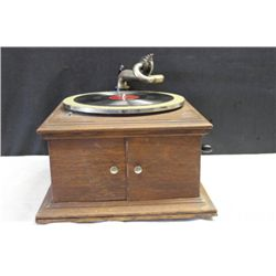 EXCELLENT WORKING OAK TABLE TOP VICTOR TALKING MACHINE