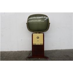 UNIQUE PHILCO EARLY MODEL TV HEAD SETS ON SOLID WOOD