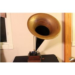 WONDERFUL EDISON FIRESIDE PHONOGRAPH CYLINDER PLAYER IN