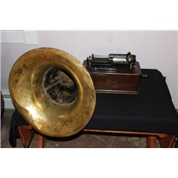 EDISON HOME PHONOGRAPH WORKS FINE WITH LARGE BRASS HORN