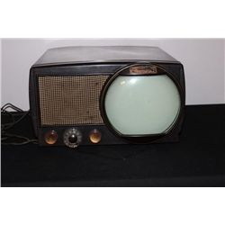 AMAZING MOTOROLA TV AND MINT WORKING CONDITION - SCREEN