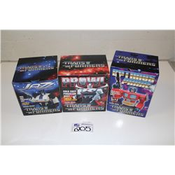 3 TRANSFORMER PORCELAIN  BUST NEW IN BOX INCLUDING OPTIMUS PRIME, JAZZ 930/2500 AND PROWL 1874/5000