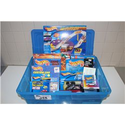 HOT WHEELS RUBBERMAID CONTAINING ASSORTED TOYS, NEW IN BOX INCLUDING: TATOO DESIGNER CD ROM,