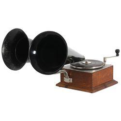United Talking Machine Co. Double-Bell Wonder