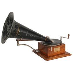 Berliner Model J Gramophone