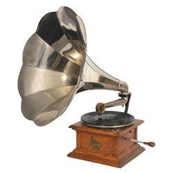 Oak Columbia Type AV Phonograph