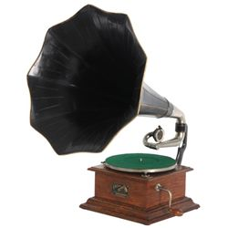 Oak Victor Type I Phonograph