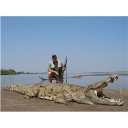 5-Day Crocodile Hunt for One Hunter on the Zambezi River of Mozambique - Includes Trophy Fee