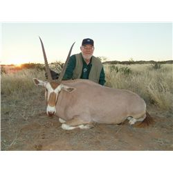 Golden Oryx Celebrity Hunt for One Hunter in Namibia - Includes Trophy Fee, Taxidermy, Optics and Mu