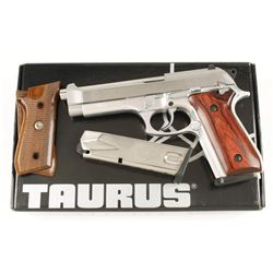 Taurus Mdl PT 92 AFS Cal 9mm SN: TPD79238