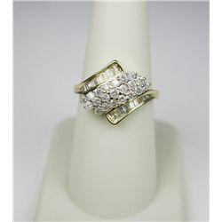 Dazzling 10 Karat Yellow Gold Ladies Ring