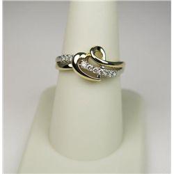 Fashionable 10 Karat Yellow Gold Ladies Ring