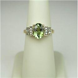 Sleek 10 Karat Yellow Gold Ladies Ring