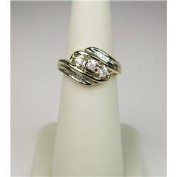 Stylish 14 Karat Yellow Gold Ladies Ring