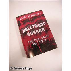 Scream 4 Gale Weathers-Riley (Courteney Cox) Book Prop