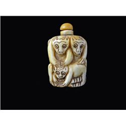 Hand carved oxbone Chinese Snuff Bottle